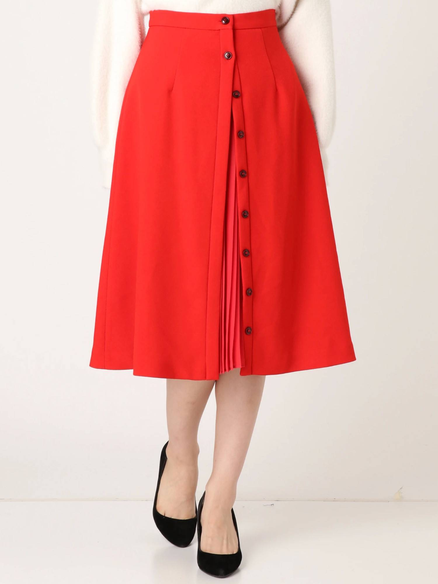 Front pleated skirt switching
