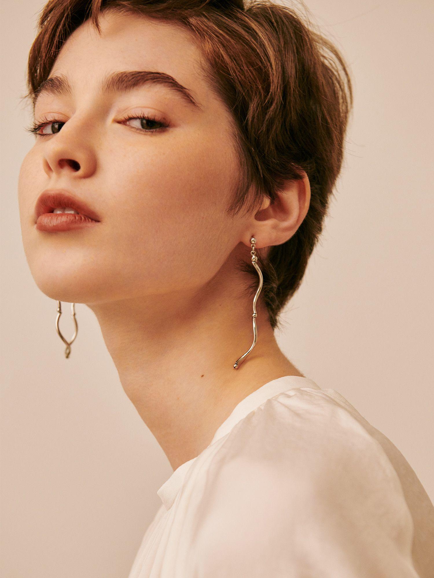 Roll form earrings