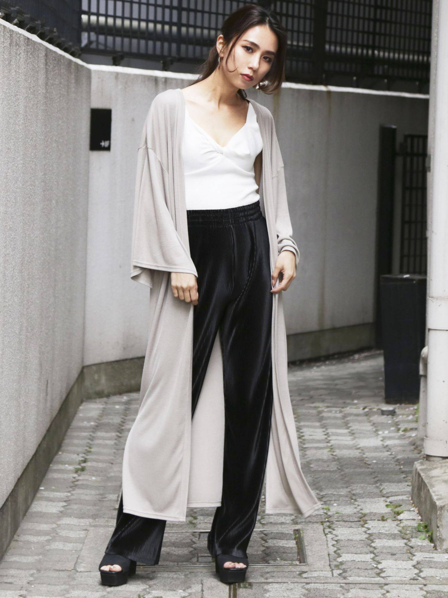 Slit gross cut cardigan