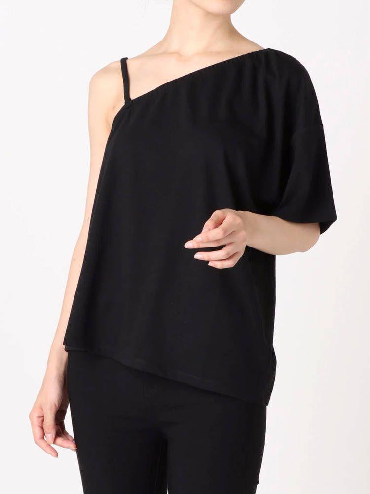 One-shoulder T-shirt