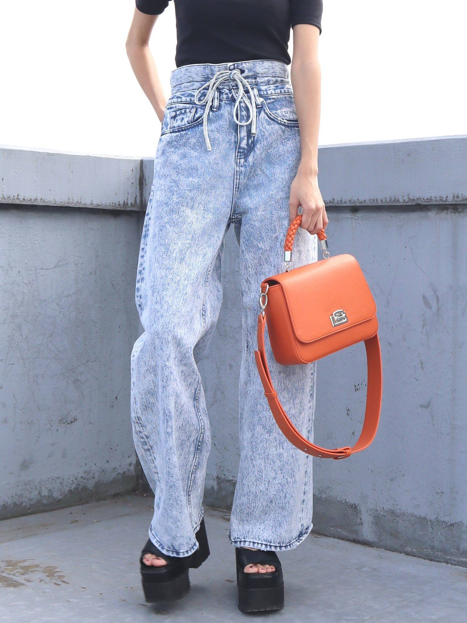 STRING chemical high-waisted jeans