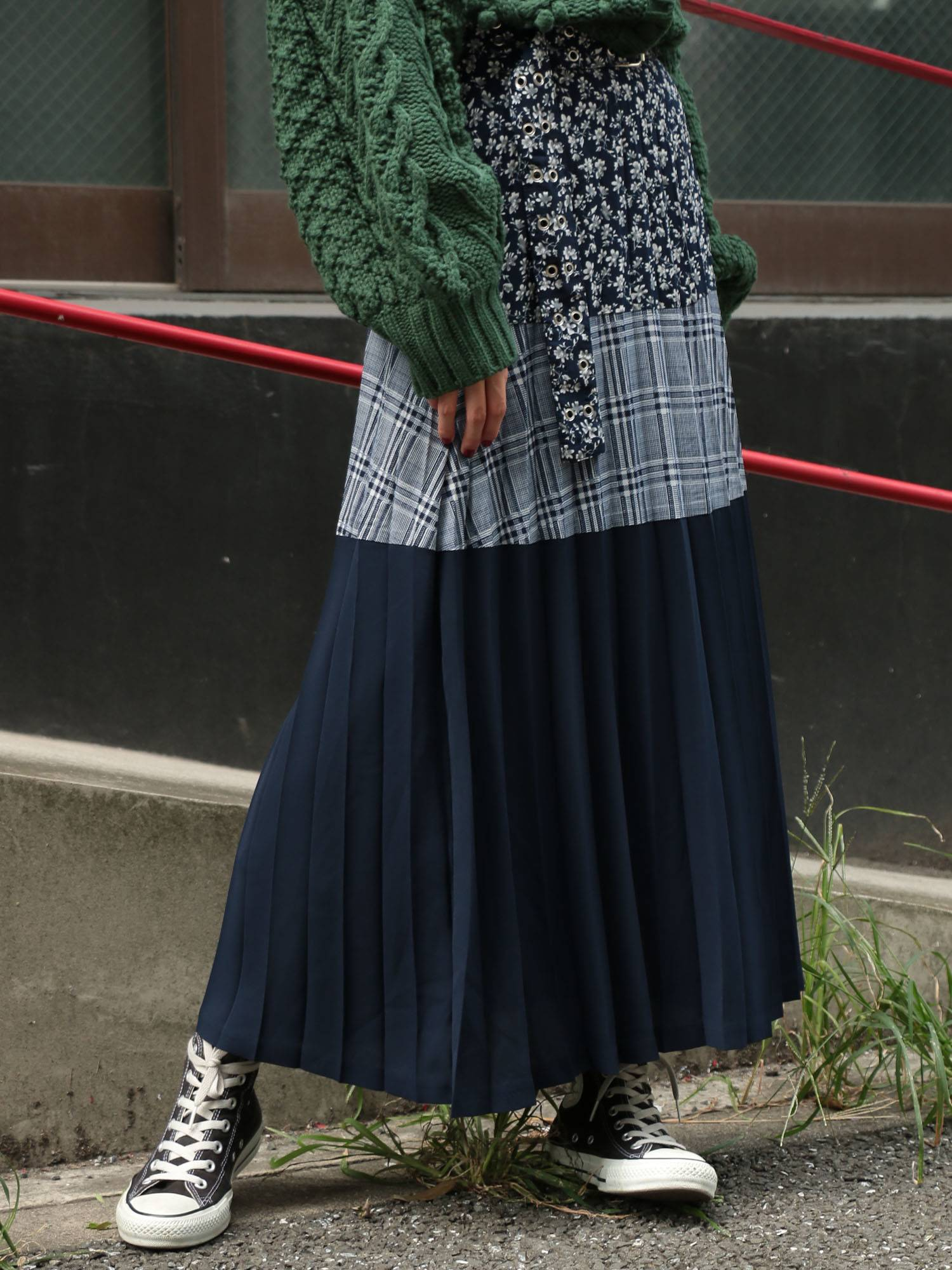 Switch pleated skirt