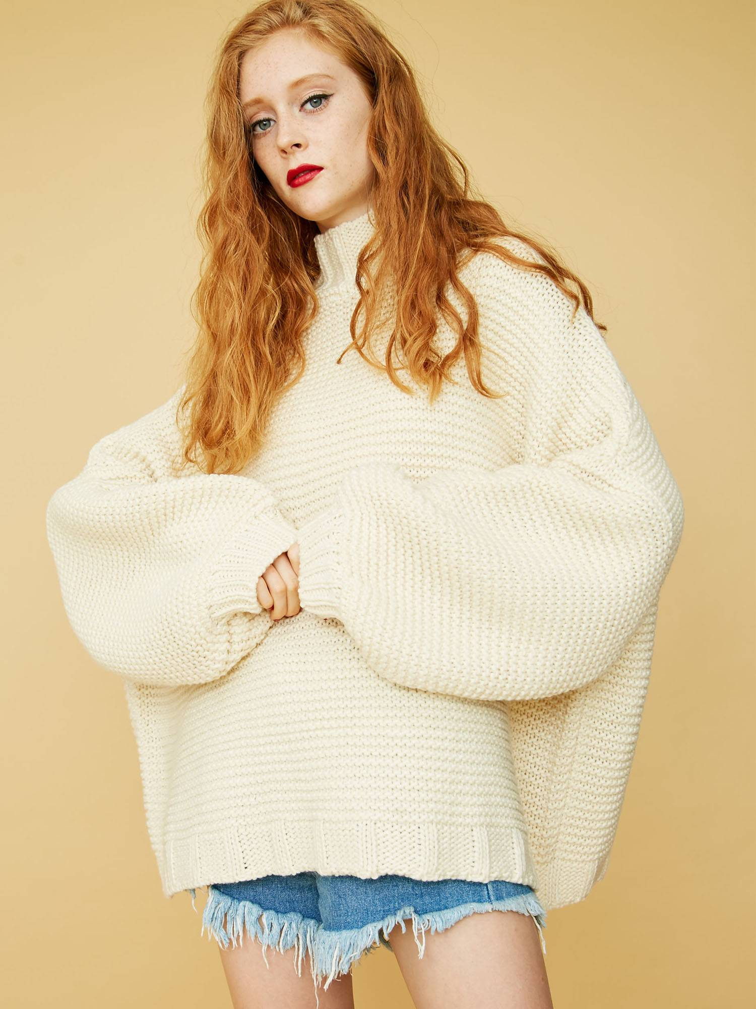 Volume knit pullover