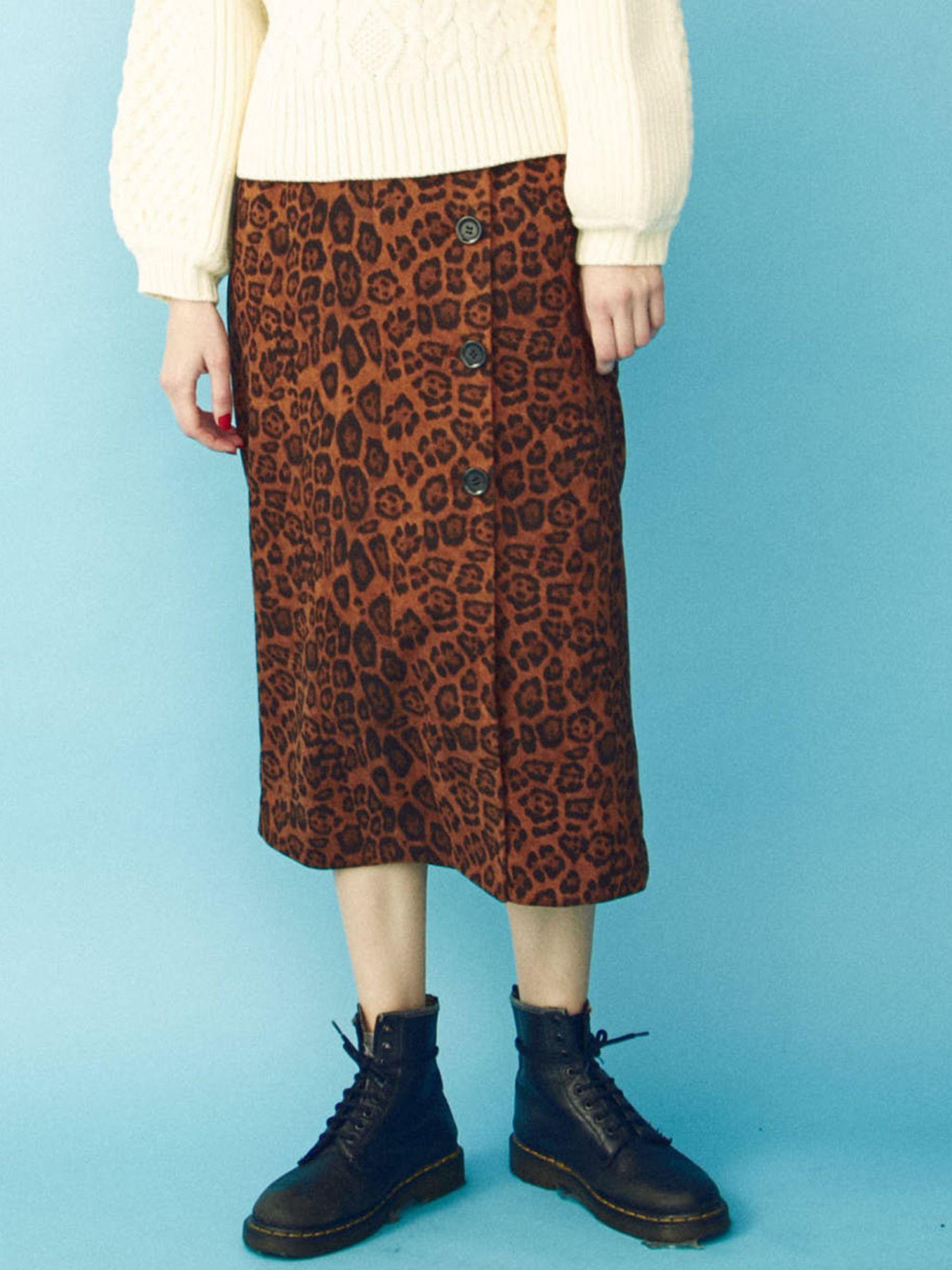 BIG button pencil skirt