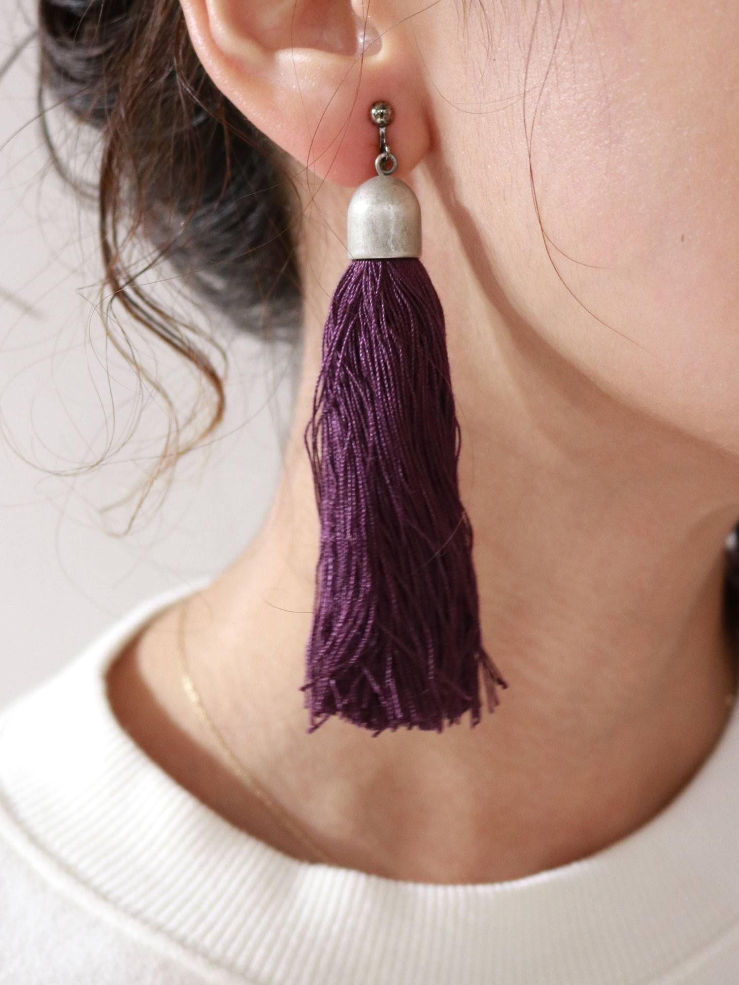 Color tassel volume earrings