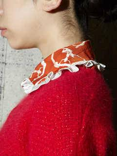 PAMEO POSE(パメオポーズ) |THREE GODS PATTERN COLLAR 画像03