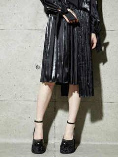 PAMEO POSE(パメオポーズ) |PLEATED GLOSSY SATIN SKIRT 画像08