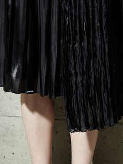 PAMEO POSE(パメオポーズ) |PLEATED GLOSSY SATIN SKIRT 画像12