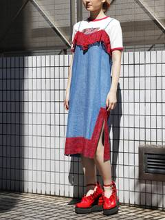 PAMEO POSE(パメオポーズ) |LACE TRIMMED DENIM CAMI DRESS 画像01