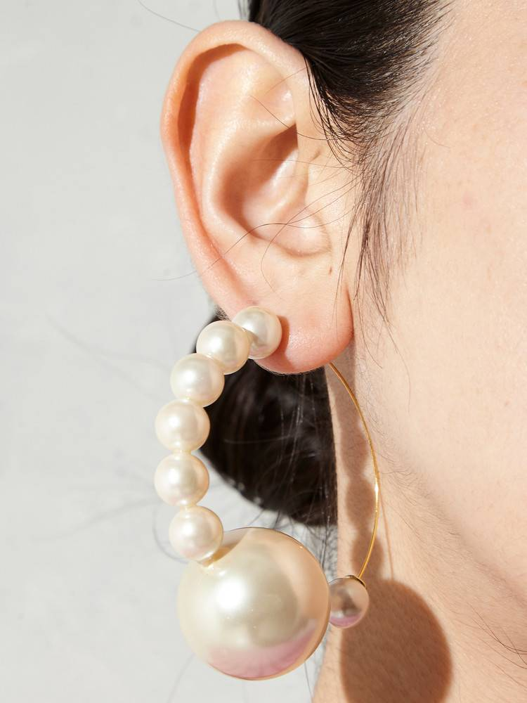 PAMEO POSE PEARL LINE HOOD EARRINGS
