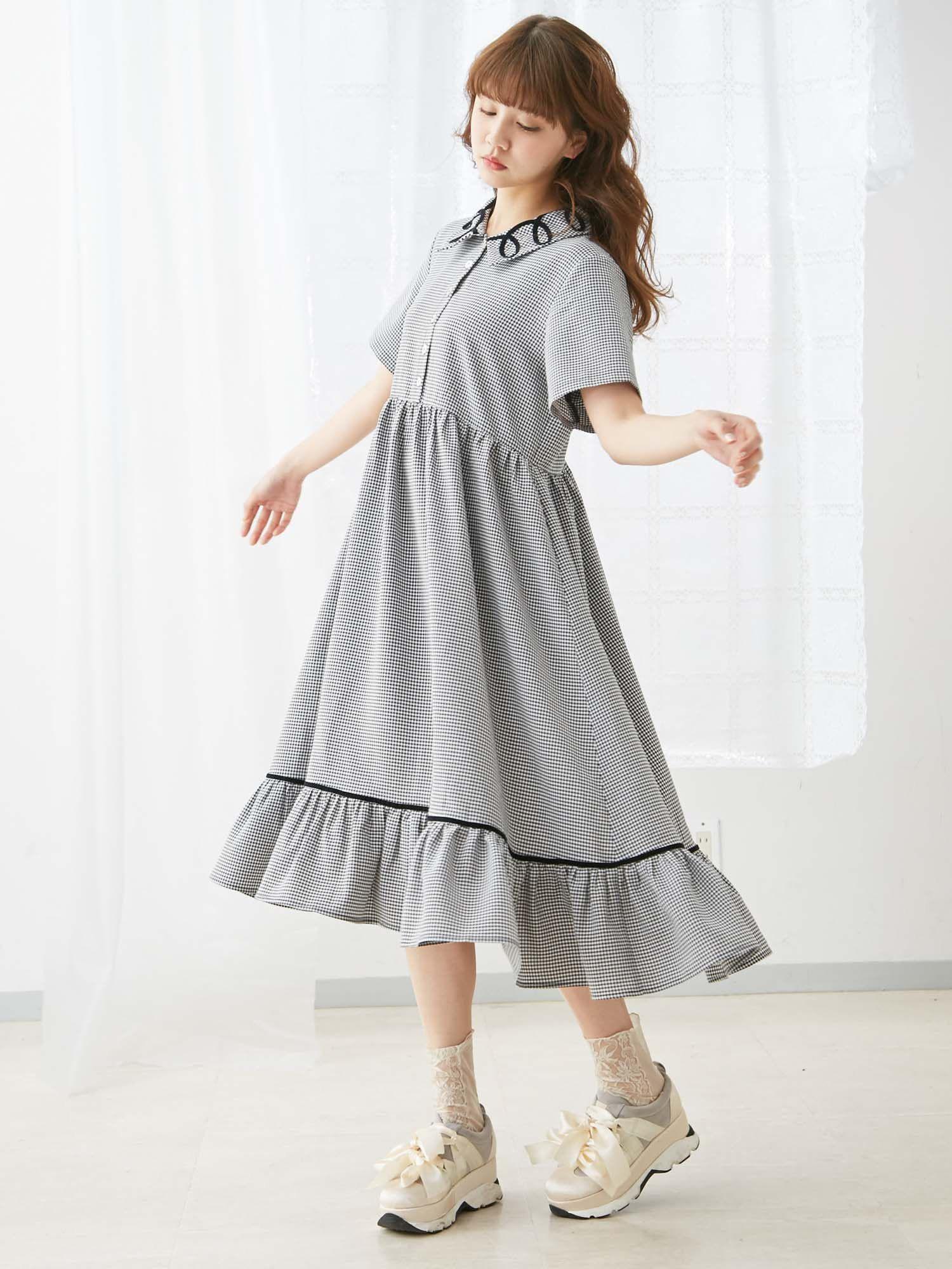 Round and round collar shirt dress