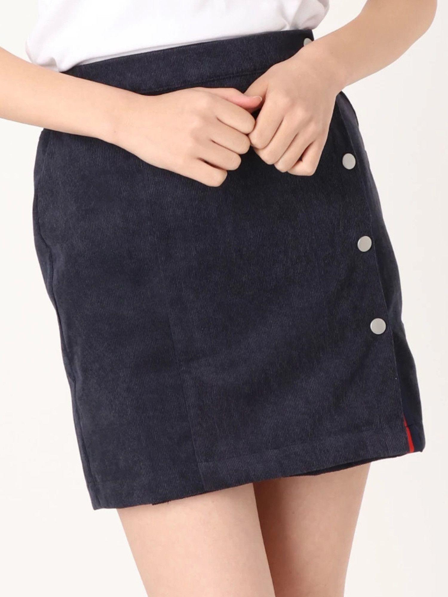 Slit line mini skirt