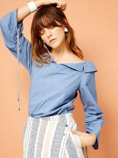 ELENDEEK(エレンディーク) |SQUEEZE SLEEVE DENIM LIKE BLOUSE 画像03